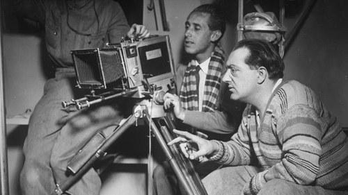 Fritz Lang mit Kameramann Curt Courant bei den Dreharbeiten (1929)