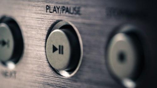 Neuer Sendeplatz: Auf Radio Niederösterreich steht an jedem vierten Freitag im Monat um 21.03 Uhr die Sendung «Tonkünstler» mit klassischer Musik auf dem Programm.
