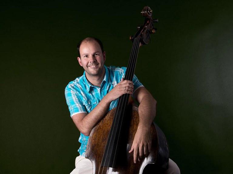 Sub-principal double bass © Nancy Horowitz