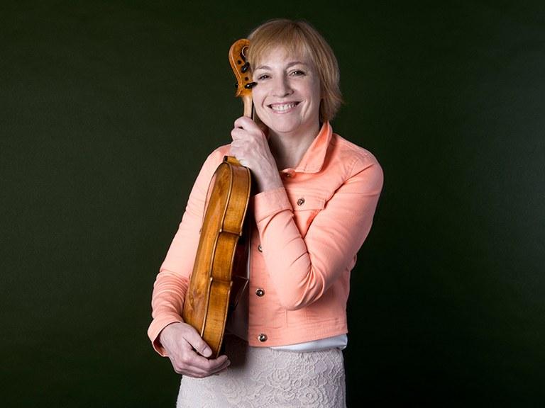 Solo viola * © Nancy Horowitz