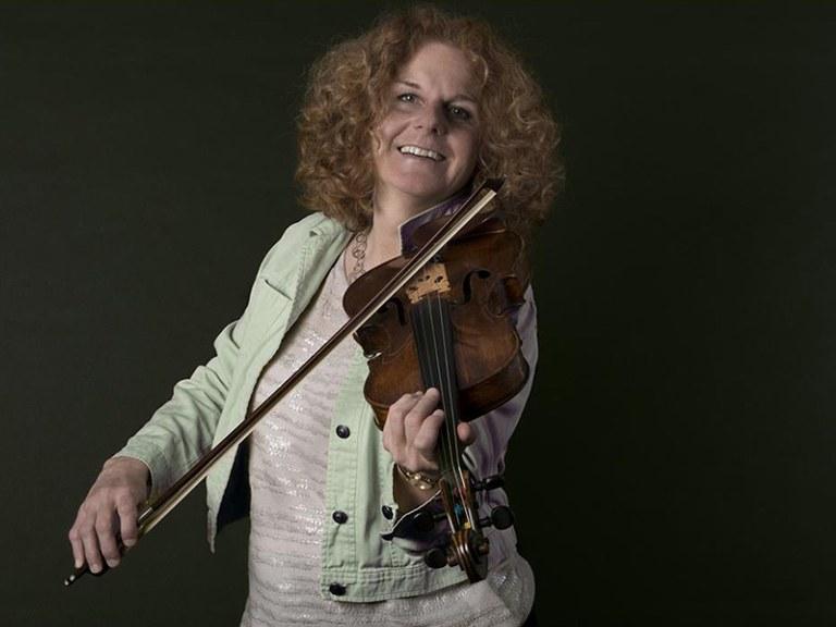 Viola © Nancy Horowitz