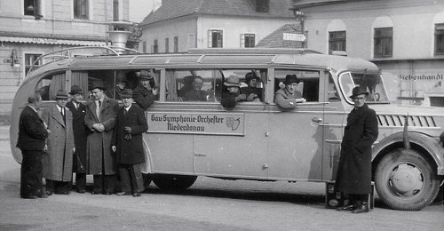 The orchestra bus in 1942